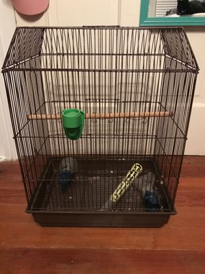 Bird cage plus accessories (more accessories than what are shown in picture) for Sale in Metcalf, GA