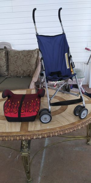 Good condition!!Stroller and Booster seat!! For your children. for Sale in Hollywood, FL