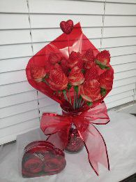 💋♥️ Valentine's eatable strawberry rose bouquet 🌹💋 for Sale in Ontario, CA