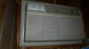 Frigidaire gallery wall or window mount air conditioner and heater for Sale in Los Angeles, CA