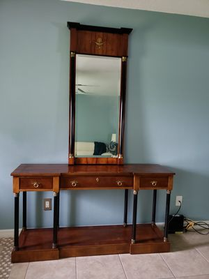Console and mirror for Sale in Cypress Gardens, FL