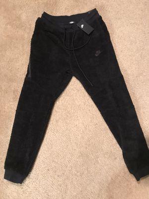 Nike Sherpa Icon Jogger Pants sz M for Sale in Jonesboro, GA