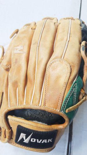 Novak Baseball Glove. for Sale in Auburn, WA