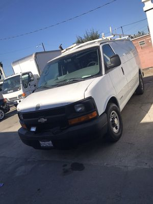 2005 Chevy express 2500 cargovan for Sale in Bellflower, CA