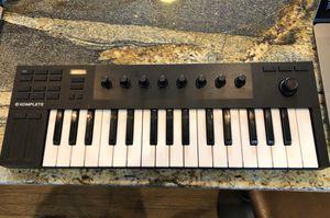Native instruments komplete kontrol M32 keyboard for Sale in Buffalo, NY