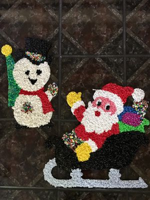 Vintage Christmas Decor Melted Plastic Popcorn Santa Claus 🎅 Sleigh Presents Wall Decor and Frost the Snowman ⛄️ for Sale in Pasadena, CA