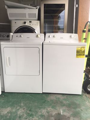 Hotpoint (by Ge ) washer and electric dryer for Sale in Kissimmee, FL