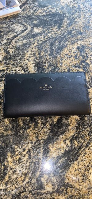 Kate spade wallet for Sale in Chardon, OH