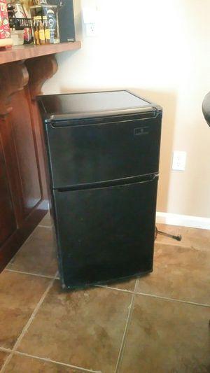 ABSCOLD mini fridge for Sale in Sully Station, VA