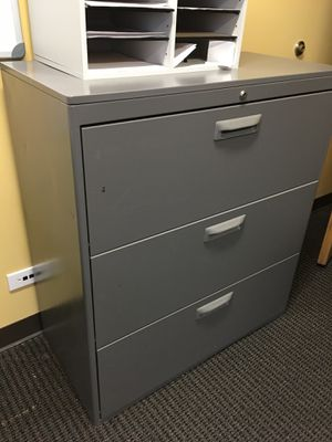 Metal File Cabinet with Key $150 ( near I 25 and Colorado blvs ) for Sale in Denver, CO
