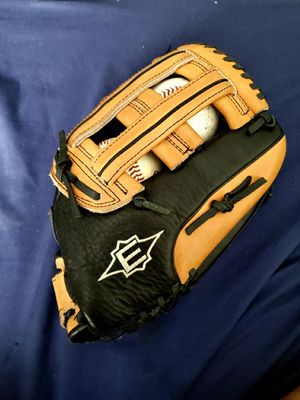 12.5 inch Easton Baseball Glove for Sale in Los Angeles, CA