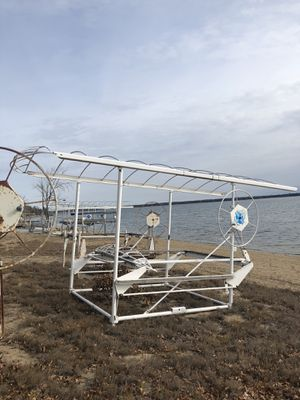 1 Shore Station With Canopy/4 Boat Lifts for Sale in Breezy Point, MN
