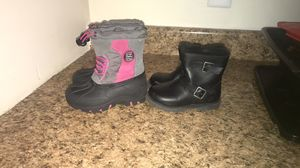 Toddler girls boots size 8c for Sale in New Haven, CT