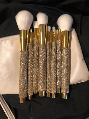 Handmade bling makeup brushes BRAND NEW !!! makeup bag included for Sale in Parma, OH