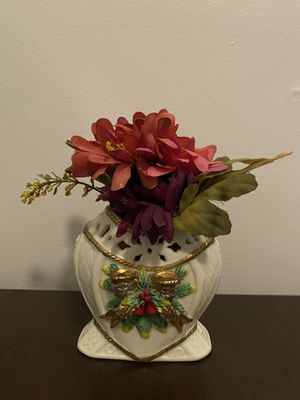 """8"""" tall Gilded Ceramic White Vase with Red Artificial Flowers for Sale in Ithaca, NY"""