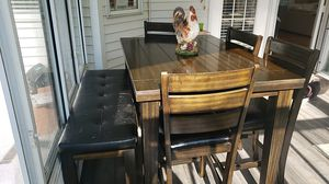 Tall Expandable Dinning Table w/leaf 4 chairs and bench for Sale in Hudson, OH