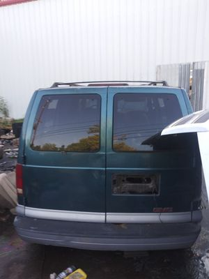 Parting out 99 GMC Safari van for Sale in Houston, TX