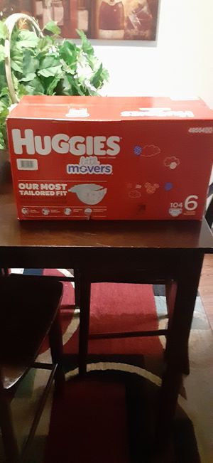 Huggies little movers size 6 104 count for Sale in Fresno, CA