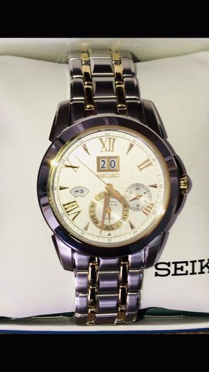 Very Nice Brand New Men's Kinetic perpetual Seiko for Sale in Evansville, IN