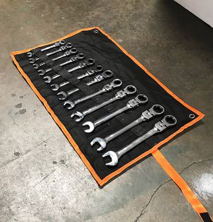 (NEW) $45 Flexible Head 12pcs Ratcheting Wrench Spanner Tool Set 8-19mm Metric for Sale in Whittier, CA