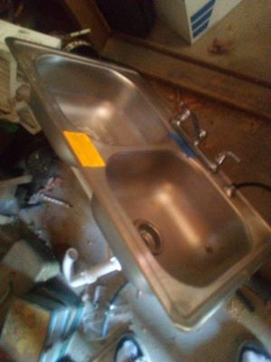 Kitchen sink for Sale in Cleveland, OH