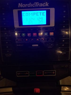 NordicTrack T6.5z Treadmill 2.6 CHP for Sale in Fullerton, CA