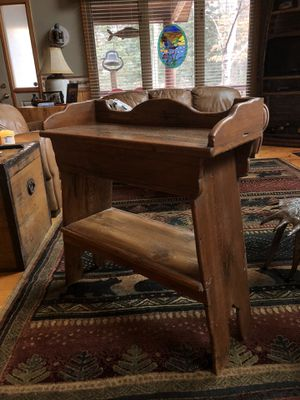 Rustic Accent Side or Entry Table for Sale in Nisswa, MN