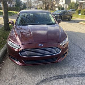 2015 Ford Fusion 32 K Miles Clean Title for Sale in Lorain, OH