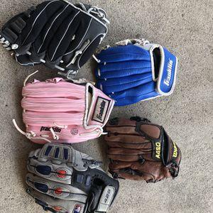 Kids Baseball Gloves for Sale in Pico Rivera, CA