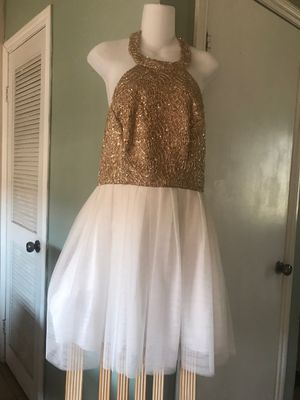 🦃👻$50 NEW GORGEOUS 9/10 GOLD/WHITE GALA DRESS for Sale in Rialto, CA