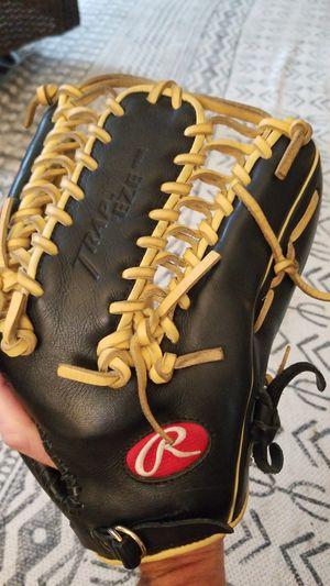 Rawlings GGE1275 baseball/outfield glove for Sale in Seattle, WA