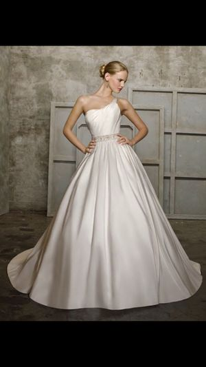 New, Never Worn, Mori Lee Wedding Gown Size 8 Bloomington, IL for Sale in Bloomington, IL