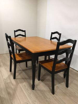 Table and chairs for Sale in Tucson, AZ
