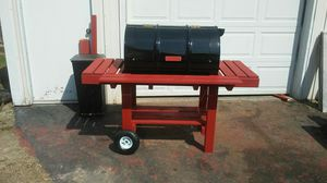 BBQ smoker grill for Sale in St. Louis, MO