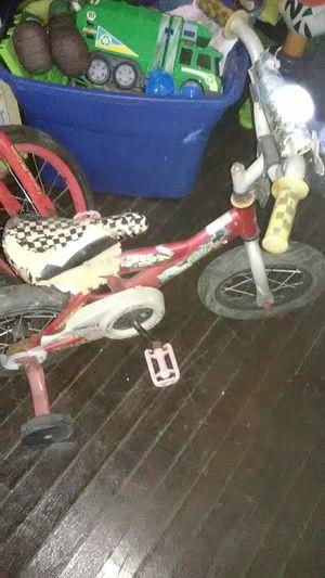 2 kids bikes afew rips nothing major for Sale in Minden, LA