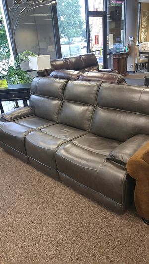 Leather power reclining sofa and loveseat for Sale in Portland, OR