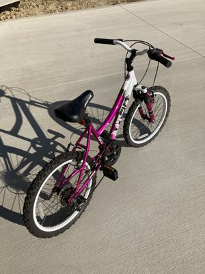 """20 """" girls bike for Sale in Hinckley, OH"""
