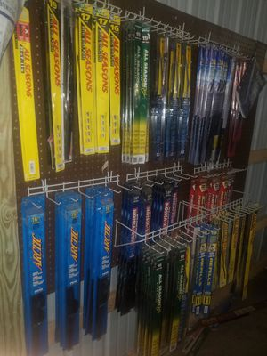 HUGE LOT OF windshield wipers CLEAR PLUS, PEAK, ALL SEASONS PLUS & ALL SEASONS, BARDAHL ETC.... for Sale in Alton, IL