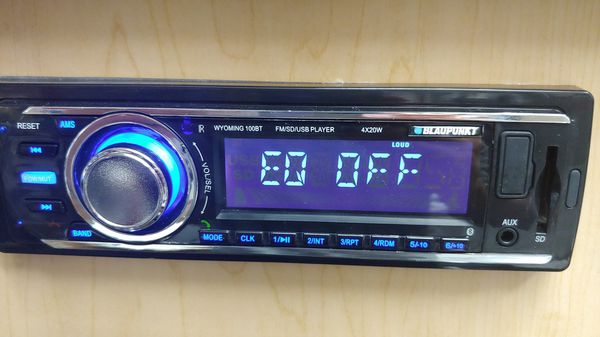 Car stereo : Blaupunkt mp3 & fm receiver Bluetooth usb sd card aux 80 watts  peak power remote control ( no cd player & am ) for Sale in Bell Gardens,