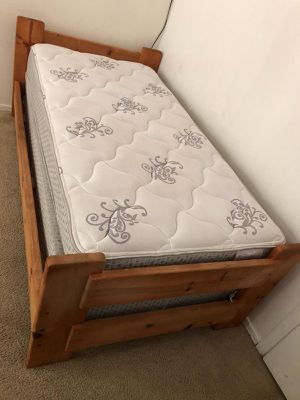 Twin bed for Sale in Tucson, AZ