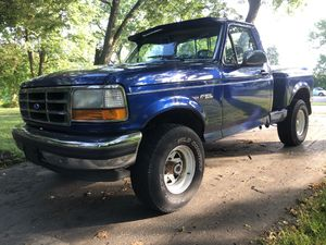 1993 Ford F-150 4x4 Flare Side Short Bed! for Sale in Penn Hills, PA