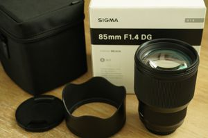 New Condition Sigma 85mm f1.4 DG HSM Art Lens for Canon EF Mount for Sale in Anaheim, CA