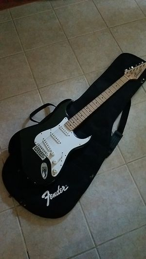 Fender Starcaster Electric Guitar w Soft Case for Sale in Manchester, CT