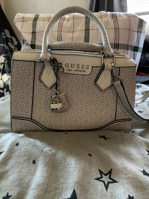 Guess purse for Sale in Tualatin, OR