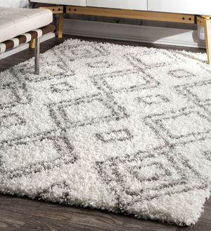"""White Rug 6' 7"""" x 9' for Sale in Chantilly, VA"""