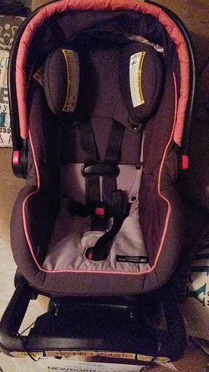 Graco infant to 2 yrs old car seat with base.... for Sale in Tampa, FL