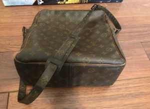 Louis Vuitton Messenger for Sale in Tampa, FL