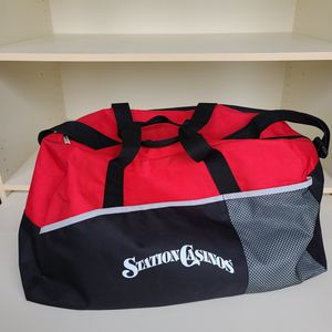 Duffle Bag for Sale in Lynnwood, WA