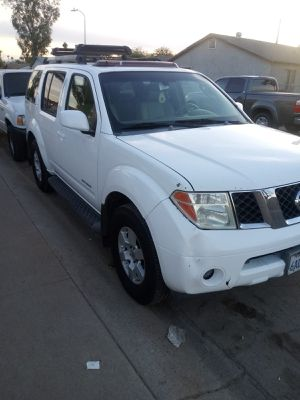 2006 nissan pathfinder for Sale in Phoenix, AZ