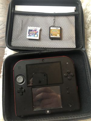 Crimson red 2ds with Pokémon heartgold and y for Sale in Bonney Lake, WA